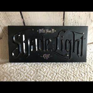 Kat Von D Shade + Light pallet